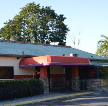 Exterior of Golden Gate Location | Mel's Diner - Southwest Florida's Classic American Diner